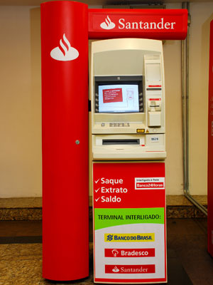 sacar dinheiro no caixa eletrônico Santander