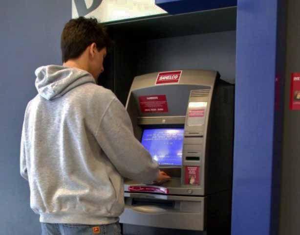 Sacar dinheiro no banco