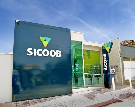 fazer transferência do Sicoob para outro Banco